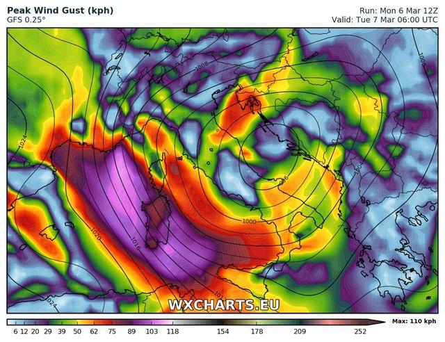 Allerta meteo, tempesta di vento sulla Sardegna