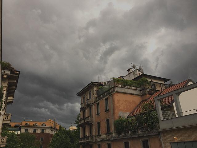Piogge, frane e allagamenti a Nord. A Sud caldo con 40 gradi