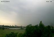 Milano, il forte temporale oscura il cielo. Meteo per la città