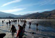 Lombardia, Lago di Endine a 300 metri sul livello del mare è ghiacciato
