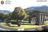 Valle d'Aosta, breve schiarite nel capoluogo, neve sui monti