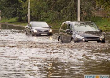 Forti piogge sono attese nel Nord Italia. C'è un'allerta meteo della protezione civile italiana.  Foto credit AdobeStock_