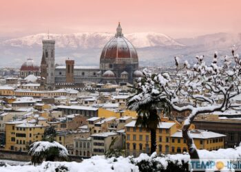 Veduta di Firenze sotto dopo una nevicata. Credit foto iStock