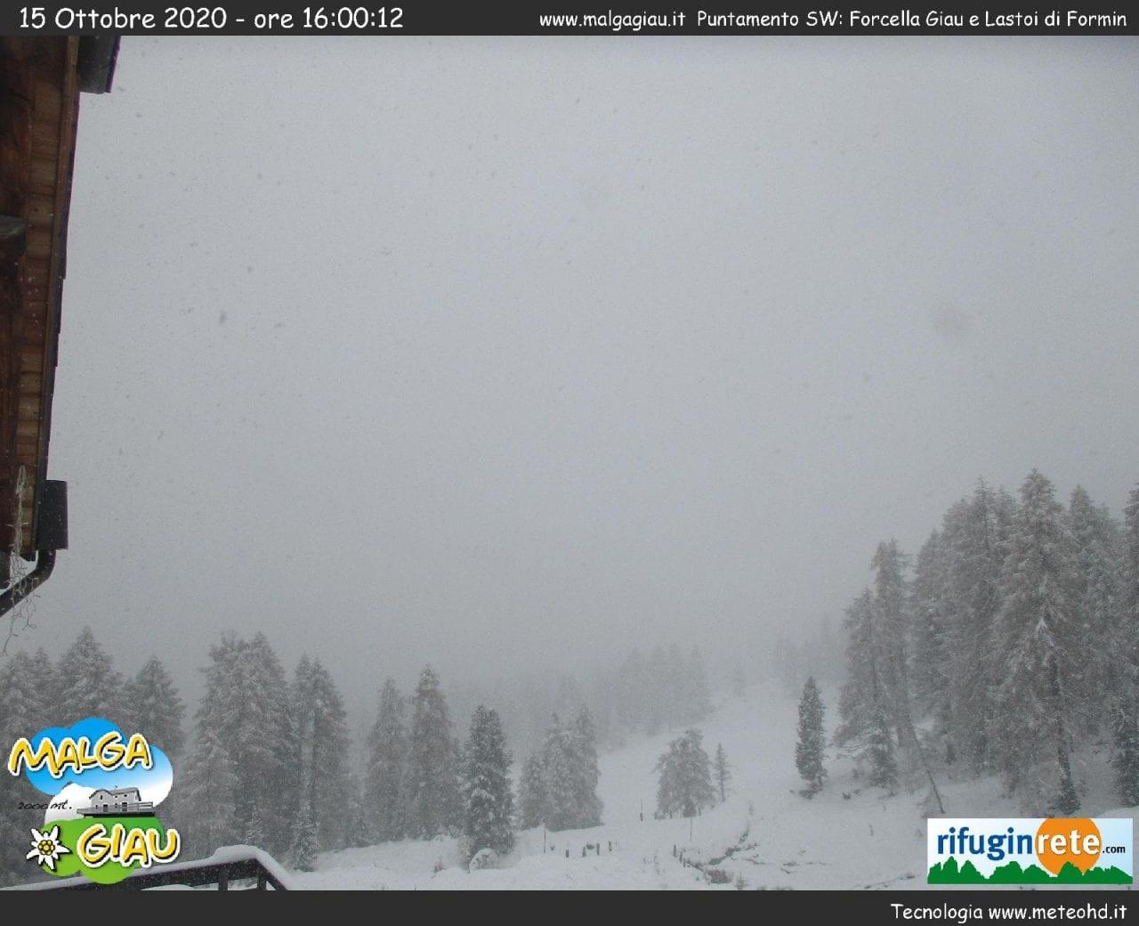 ce200c85 faa5 4e79 9677 8f6d3b103f03 - Veneto, abbondanti nevicate tra le Alpi e le Prealpi: galleria fotografica