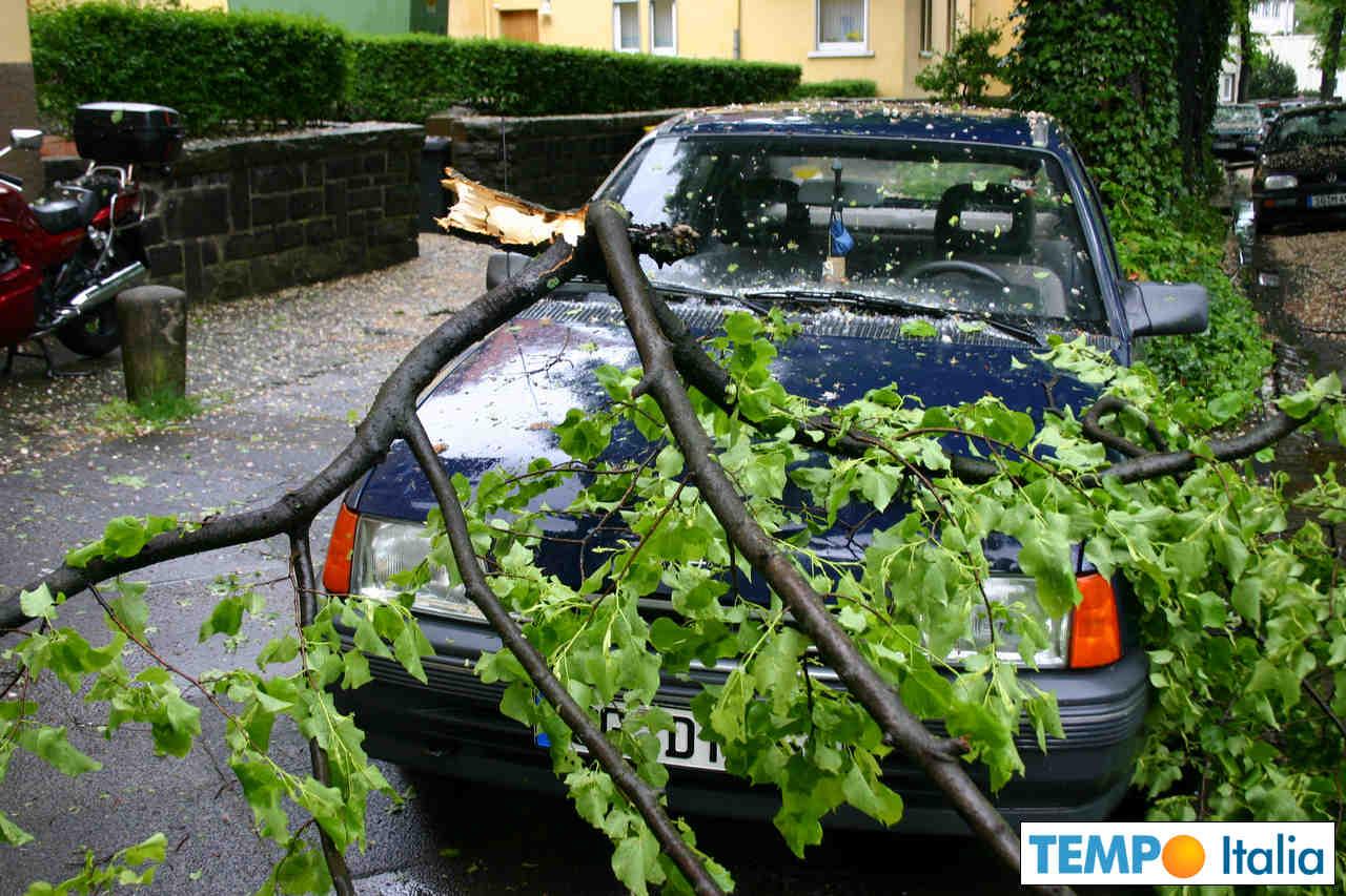 meteo 00004 1 - Toscana: forti temporali in varie località. Tromba d'aria in provincia di Grosseto