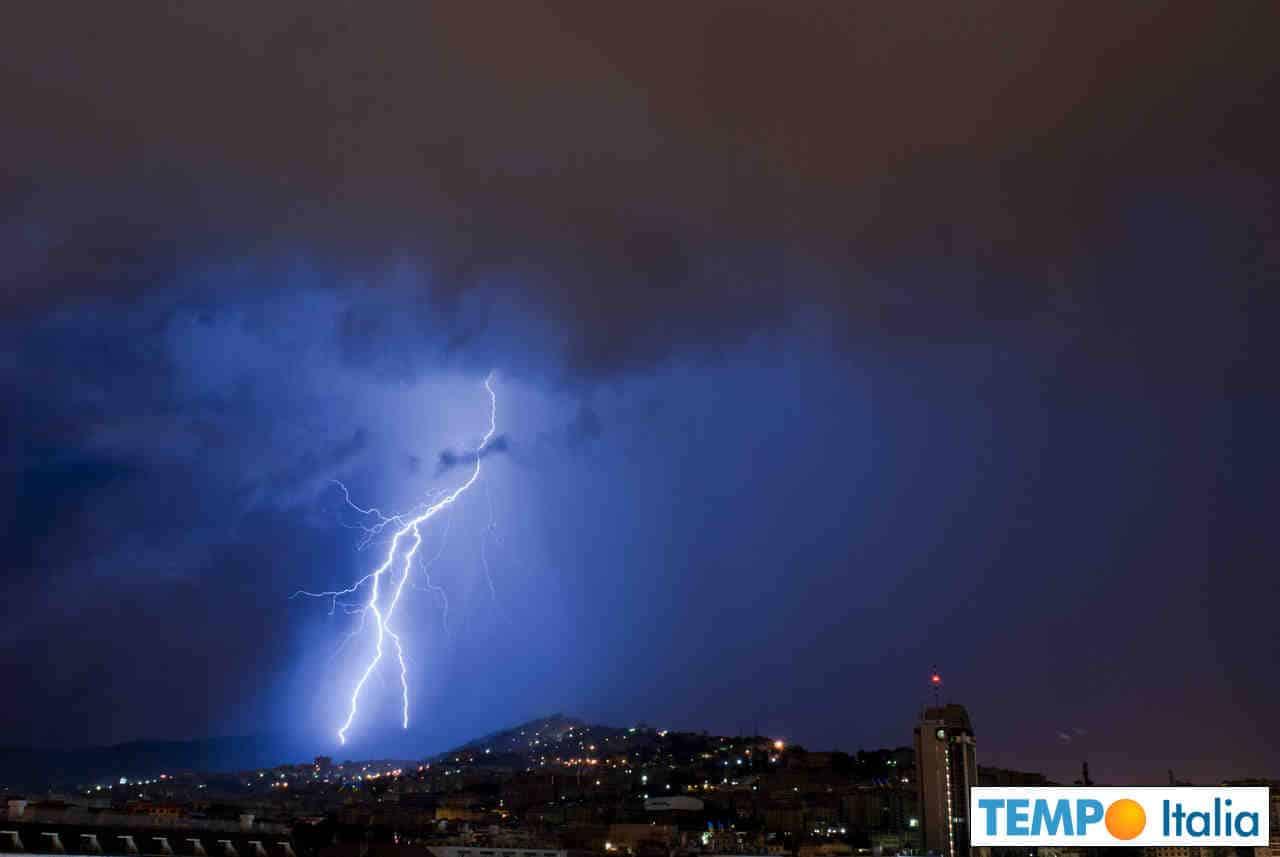 meteo 00046 1 - Meteo Genova, subito nubi poi piogge temporali. Lunedì forte maltempo