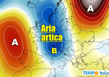 Forti scambi di masse d'aria secondo i meridiani, con Italia a rischio anche forte maltempo.
