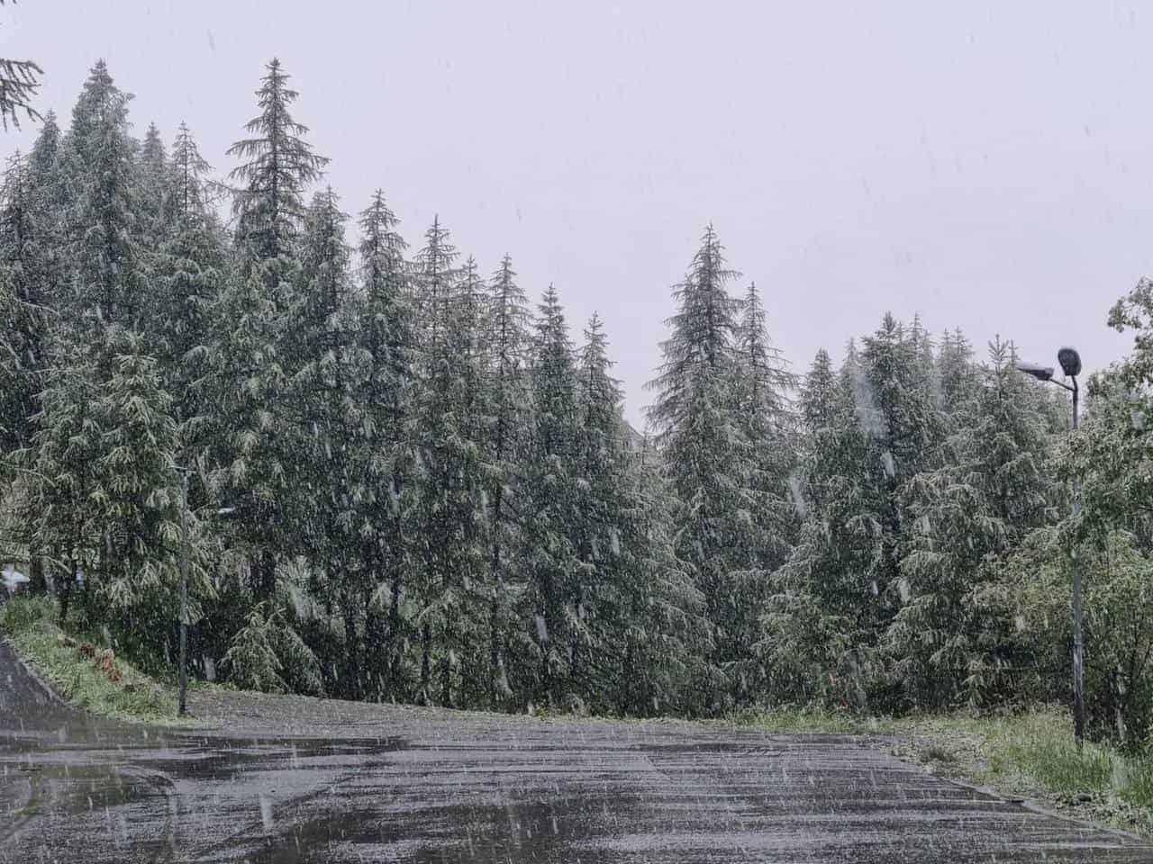 217673944 1000044154132257 7812790481472400171 n - Meteo Valle d'Aosta, la neve imbianca Cervinia in pieno luglio